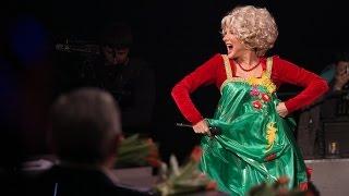 Один в один! Эвелина Бледанс - Екатерина Шаврина (Ласковый мужик)(Новый сезон популярного шоу «Один в один!» - это десять суперхитов, которые на одной сцене вживую исполняют..., 2015-03-08T14:30:01.000Z)