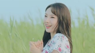 """[MV] 이달의 소녀 (LOONA) """"Hi High"""" sped up but every time haseul gets a line it slows down"""