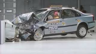 Volvo S80 moderate overlap crash test