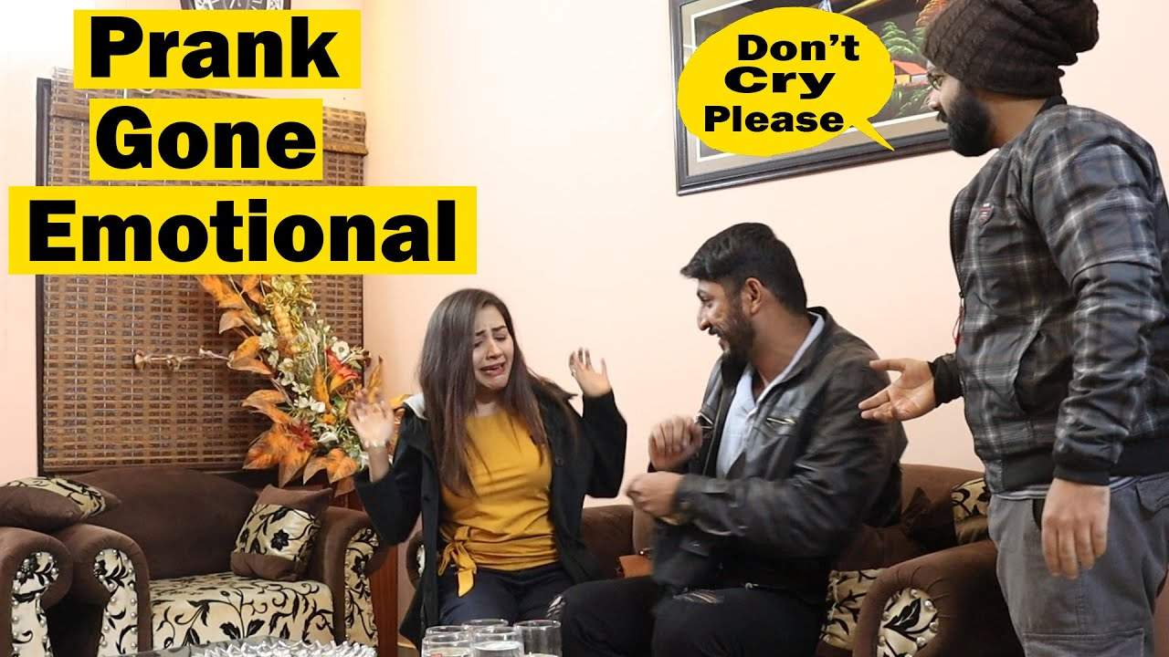 Prank On Shahmeer's Girlfriend Gone Emotional | Pranks In Pakistan | Humanitarians