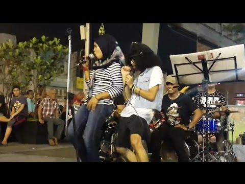 mak siti- kodoxs buskers cover blues gang,pure blues