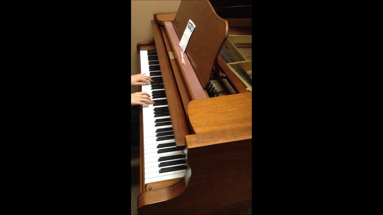 一個像夏天一個像秋天 鋼琴版 - YouTube