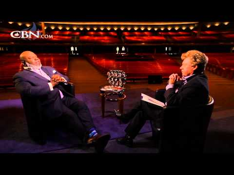 Bishop T.D. Jakes on Love, Life and Racial Tension - Extended Interview