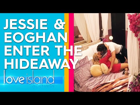 Eoghan takes Jessie away for a steamy night away in the Hideaway  Love Island Australia 2019