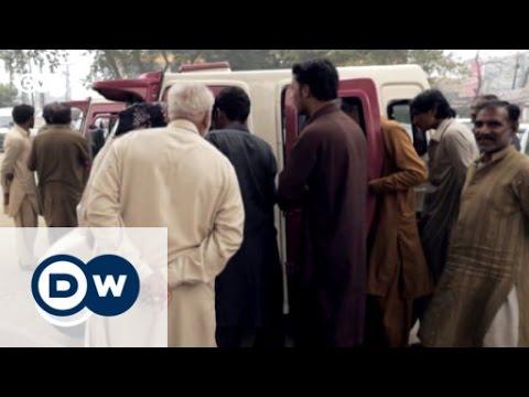 Pakistan: Mutige Frauen in rosa Rikschas | Global 3000