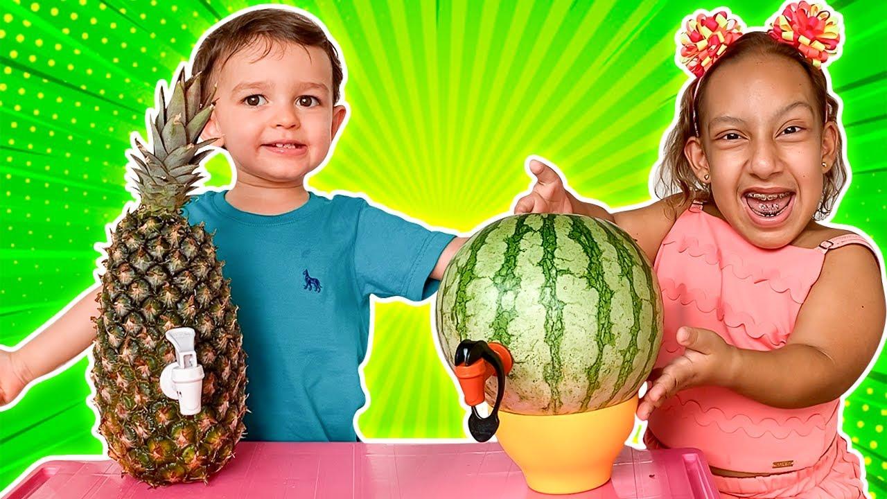 MC Divertida e baby JP em História Engraçada sobre Frutas e Vegetais Saborosos para Crianças