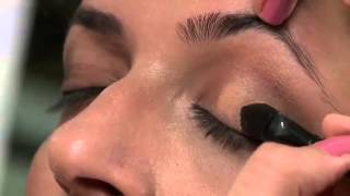 Akriti Kochar does 3 different looks using Oriflames LA Sthlm Palette Thumbnail