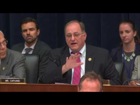 Rep. Capuano Questions Federal Reserve Chair Yellen About Wells Fargo