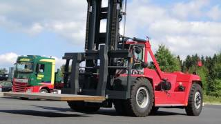 52 Tonner-Frontstapler bei STL Logistik