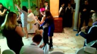 Свидетель на свадьбе танцует стриптиз!