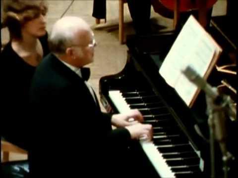 BACH  &  SVIATOSLAV RICHTER  Piano Concerto in D minor BWV 1052  Allegro