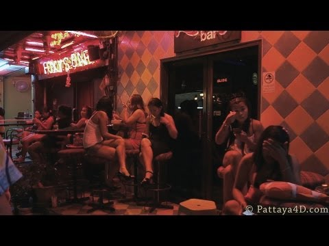 Pattaya 2013 Soi 6 Nightlife Girls, Beer Bars and AGogos พัทยา 芭堤雅 Паттайя पटाया