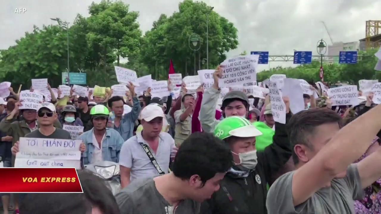 Bộ Công an tiếp tục trì hoãn dự luật biểu tình (VOA)