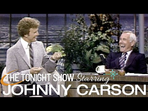 """Funny Singing Parrot Poncho on """"The Tonight Show Starring Johnny Carson"""" - 1981"""