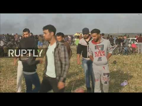Live: Palestinians protest at 'March of Return' in Gaza Strip