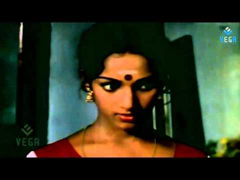 Jaathi Pookal : Nalini Dressing Scene thumbnail