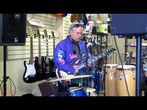 Scott and Bob jamming at the Music Store ....