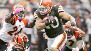 Madden NFL 12 cover shoot with Peyton Hillis