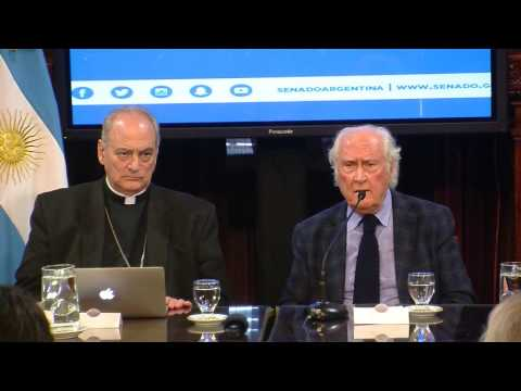 Pino Solanas recibe a Monseñor Marcelo Sanchez Sorondo canciller del Papa Francisco