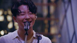 """星野源 – 桜の森 (Live from """"宴会"""" 2021)"""
