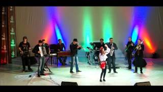 Carmelina Burdeniuc & Folk Band