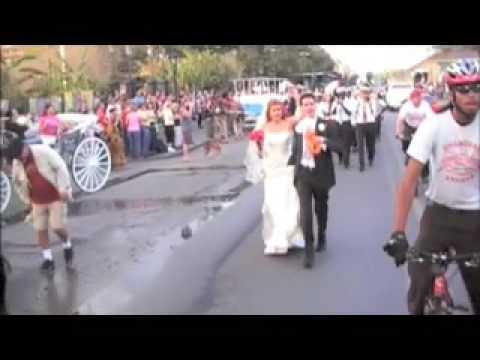 Bella & Brian New Orleans Wedding: Second Line Parade