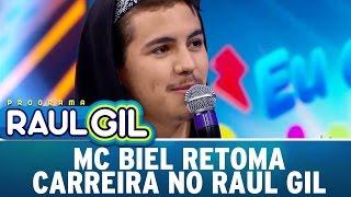 Biel retoma carreira no palco do Raul Gil | Programa Raul Gil (04/03/17)