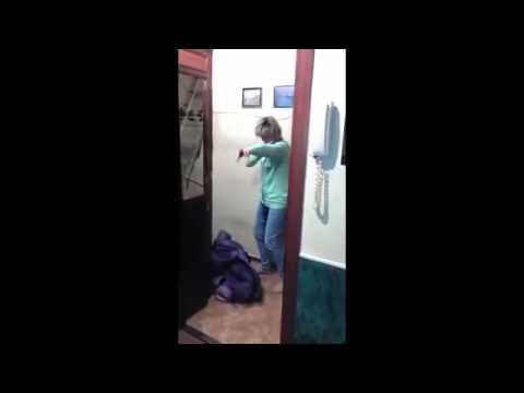 Видео баба пришла к мужикк в гости фото 716-578