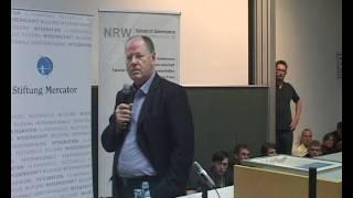 Öffentliche Vorlesung von Peer Steinbrück an der NRW School of Governance