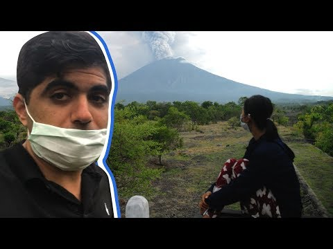 Bali's volcano is threatening its tourism industry | CNBC Reports