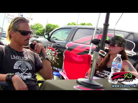 Z93 Interviews Fuel at the 2014 River Roar in Bay City