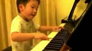 عبقري بيانو