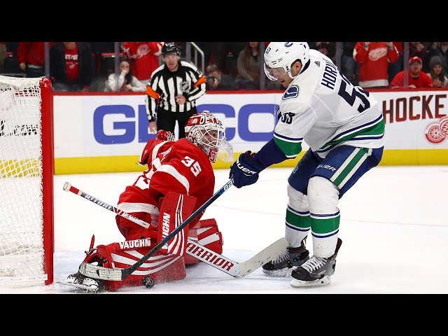 Canucks, Red Wings duke it out in shootout