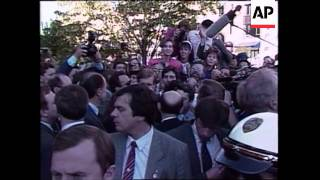 Soviet Union leader Mikhail S. Gorbachev waded into a rush-hour crowd on a downtown Washington sidew