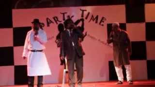 Amar Akbar Anthony and Ye Dosti Karaoke Singing