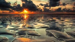 Dj Ganyani ft Hloni - Ntoni