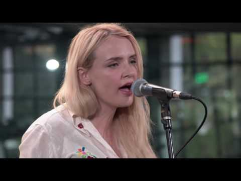 Robyn Hitchcock and Emma Swift - Full Performance (Live on KEXP)