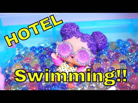 LOL SURPRISE DOLLS Go Swimming At Hotel!