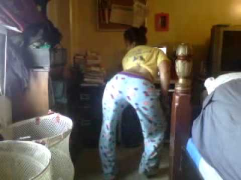 rocket..dancing to bend over like a banana by-vybz kartel