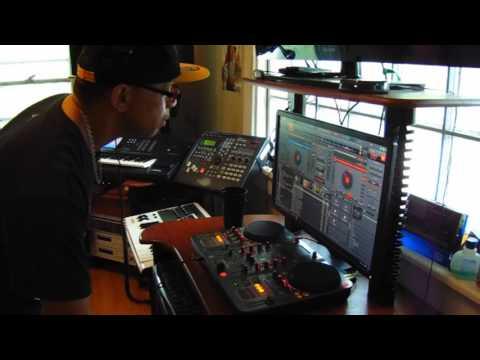 M-Audio Xponent Torq Demo ( DJK 12 Min. Mini Mix )