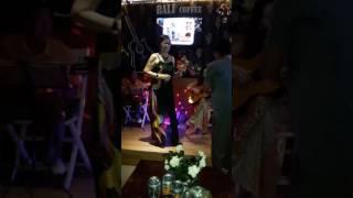 Chờ đông - Chị Loan /guitar Phượng Minh