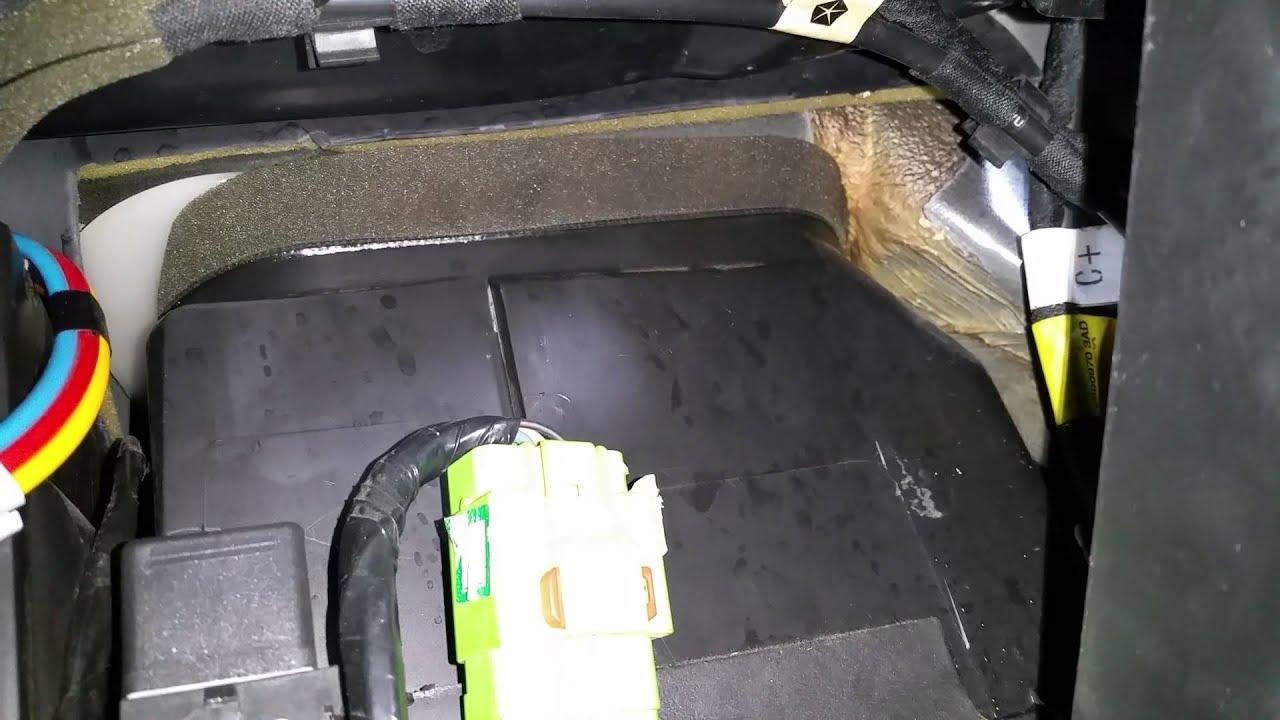 Xj Water In Passenger Floorboard Investigation Youtube