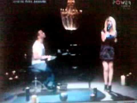 Hande Yener & Sinan Akcil - Bi Gideni Mi Var