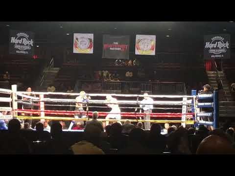 Momento del KO de Jorge Romero