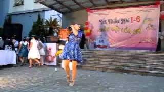 """CLB Tình nguyện Blouse Xanh - Tết thiếu nhi 1/6/2011-  Ca nhạc """"Về miền cổ tích"""""""
