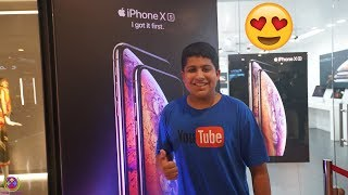 16 Year Old Kid BUYS iPhone XS Max on the Release Day !! 😍😍😍