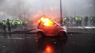 Paris civil war & yellow jacket ( Les gilets jaunes ) by Tarubi Wahid Mosta