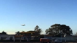Air Force one arrives in Amberley Australia 15/11/2014