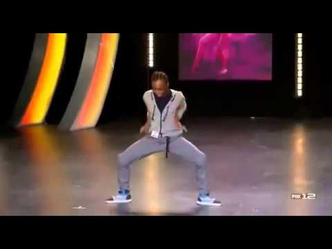 Лучший танцор на шоу талантов, невероятно двигаеться.