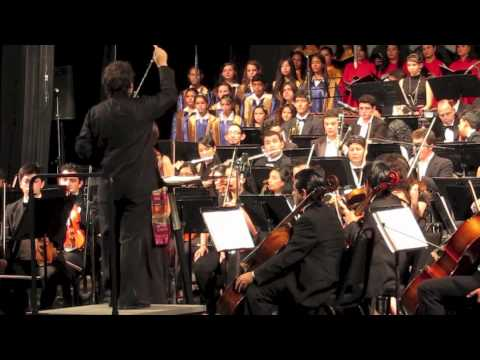Discovery choir debut with Honduras Orchestra